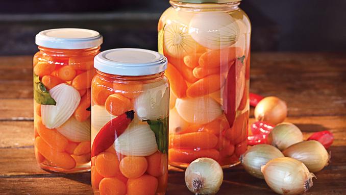 picles de cebola e cenoura