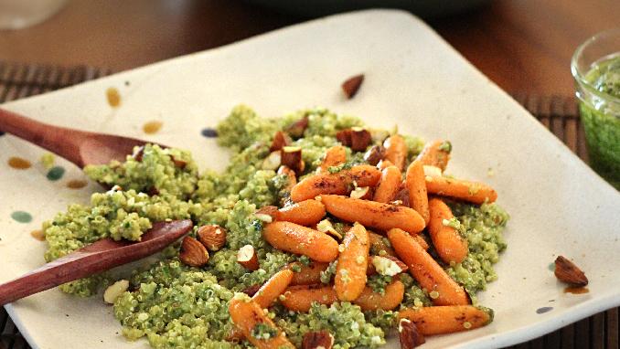 salada de queno e mini cenouras